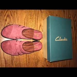 Clark's Springer Sandals. NEVER WORN. NEW WITH BOX